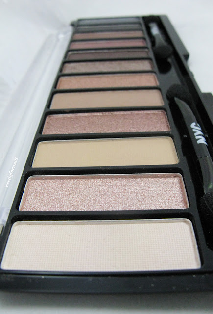Lovatics Collection by Demi- NYC, New York Color- Eye Shadow Palette- Natural