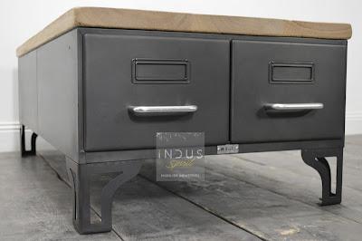 Table basse industrielle avec tiroir
