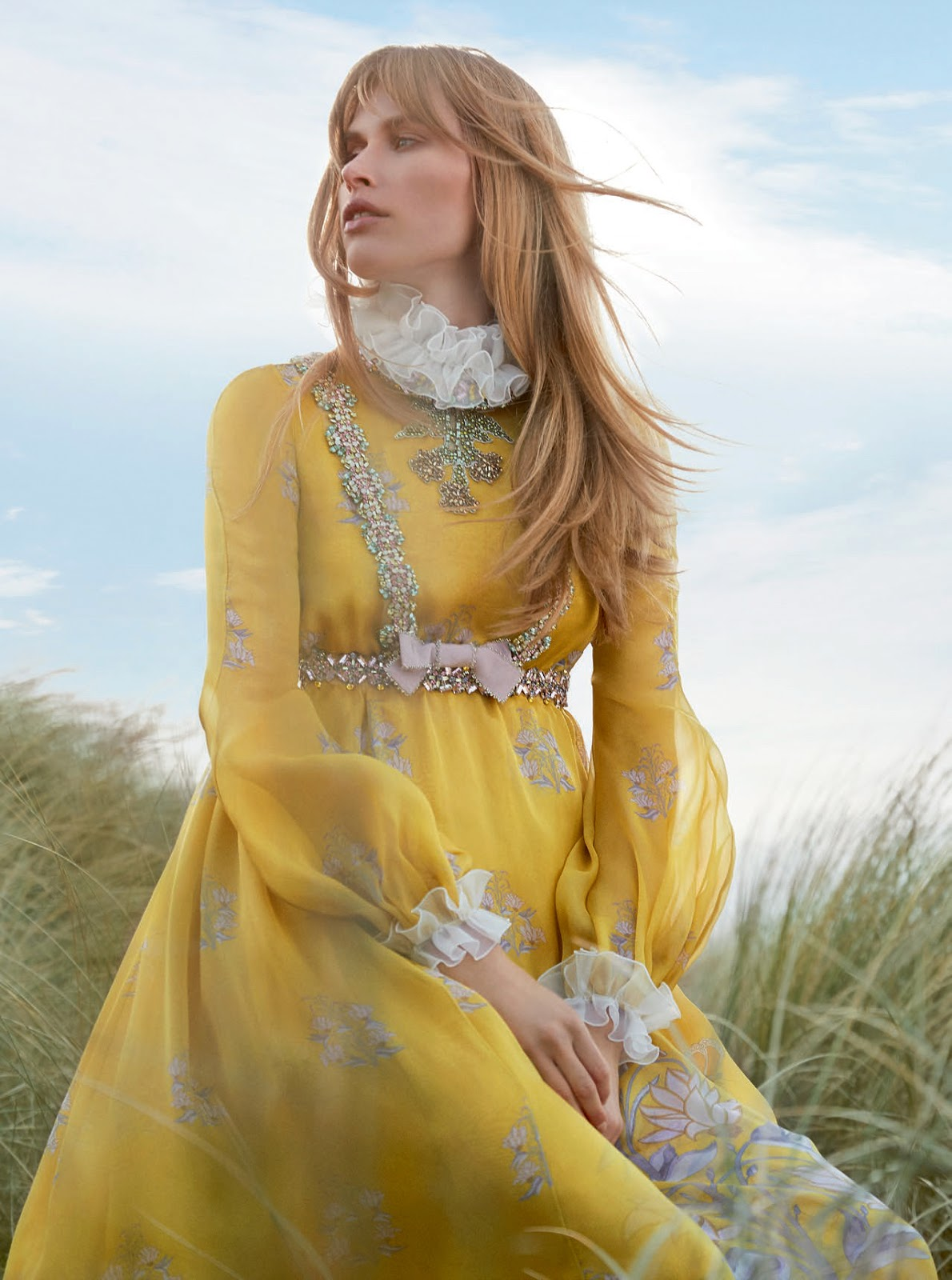Fashion Editorial : Annemara Post In Town & Country Summer