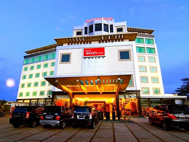 Menginap Nyaman dan Segar di Hotel Sumatera Barat