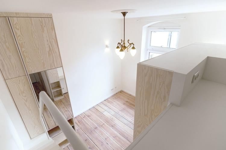 08-Spamroom-21sqm-Micro-Apartment-in-Moabit-Berlin-www-designstack-co