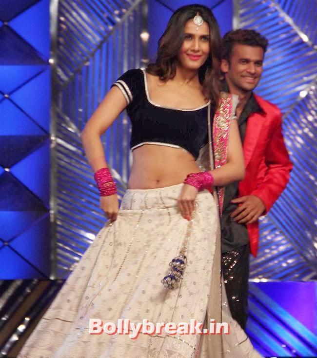 Vaani Kapoor, Bollywood Celebs at Umang Police Show 2014