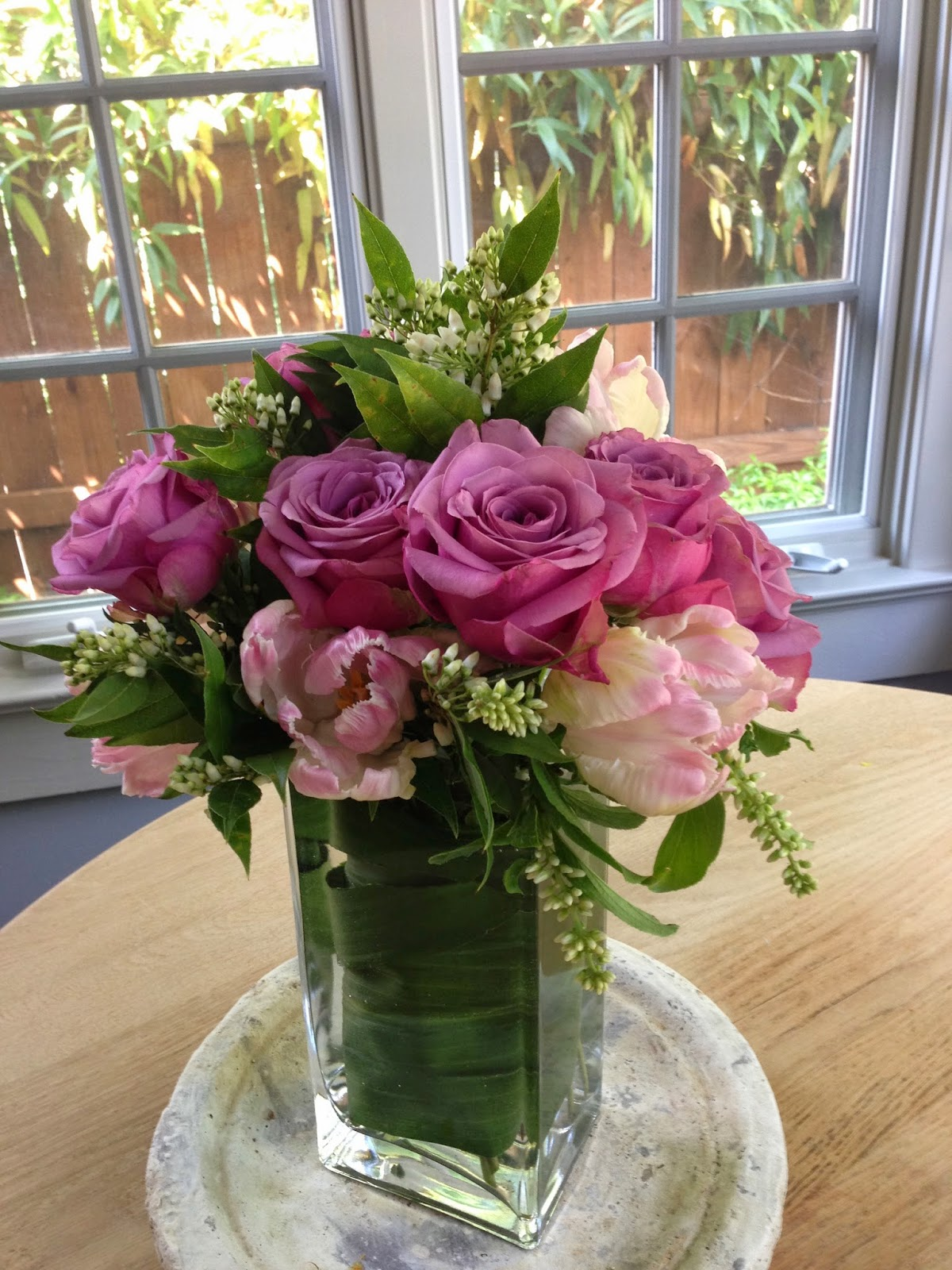 Bluemopheads Floral Design How To Line A Clear Vase Like A Pro