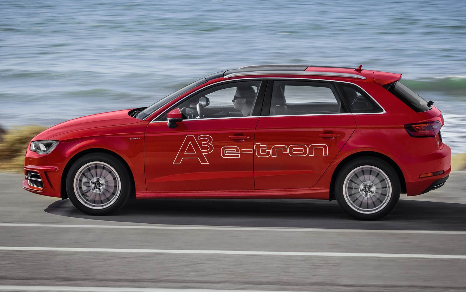 Novo Audi A3 eTron 2017