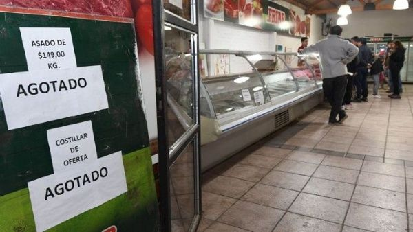 Denuncian violación de ley de precios esenciales en Argentina