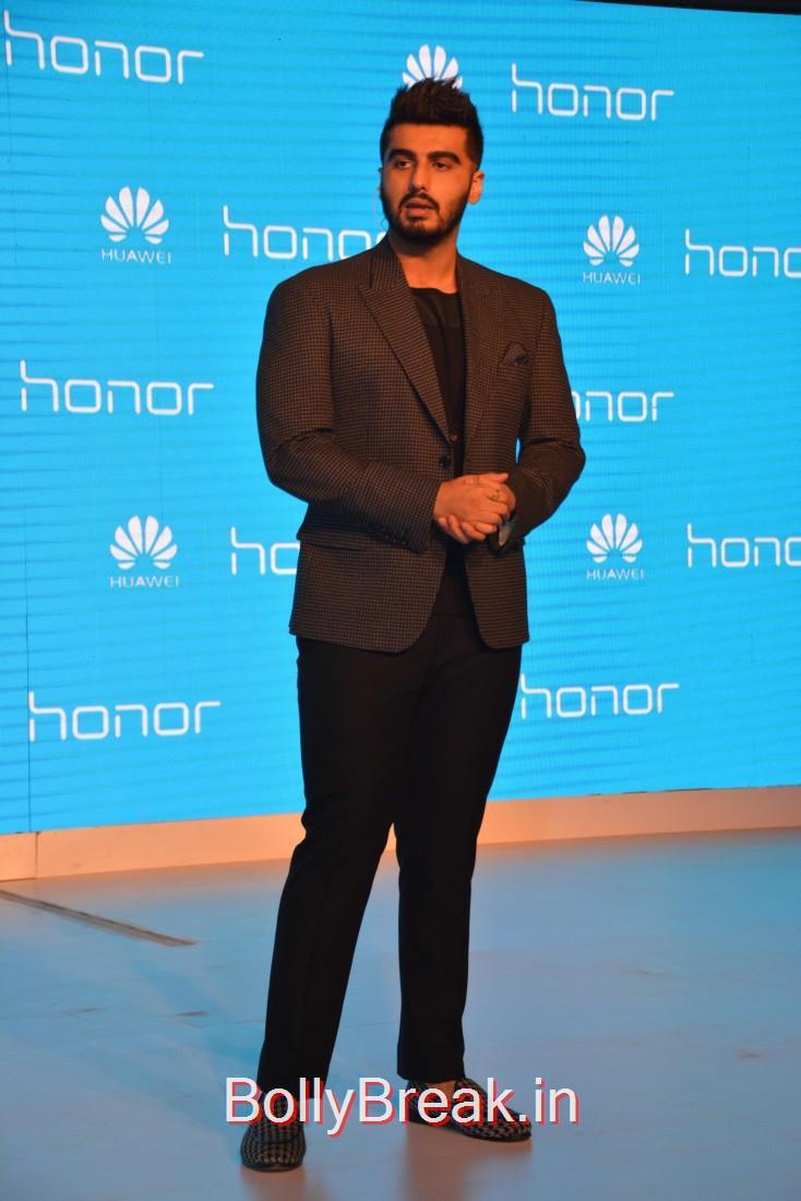 Arjun Kapoor launches a smartphone in New Delhi