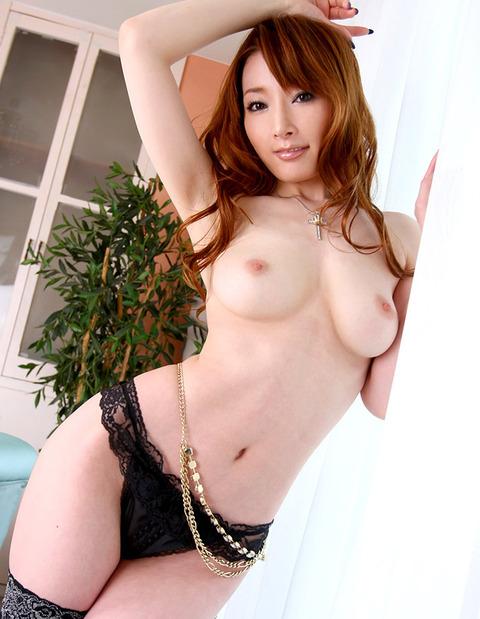 naked upskirt photo