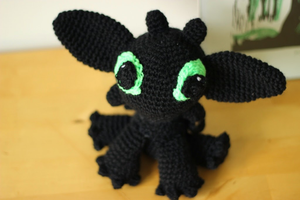 Crochet a Toothless and His Girlfriend Light Fury – These Are The ... | 683x1024