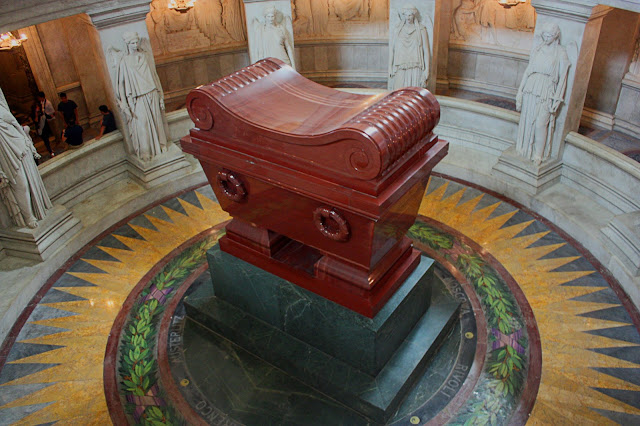 The casket of Napoleon seen from above.