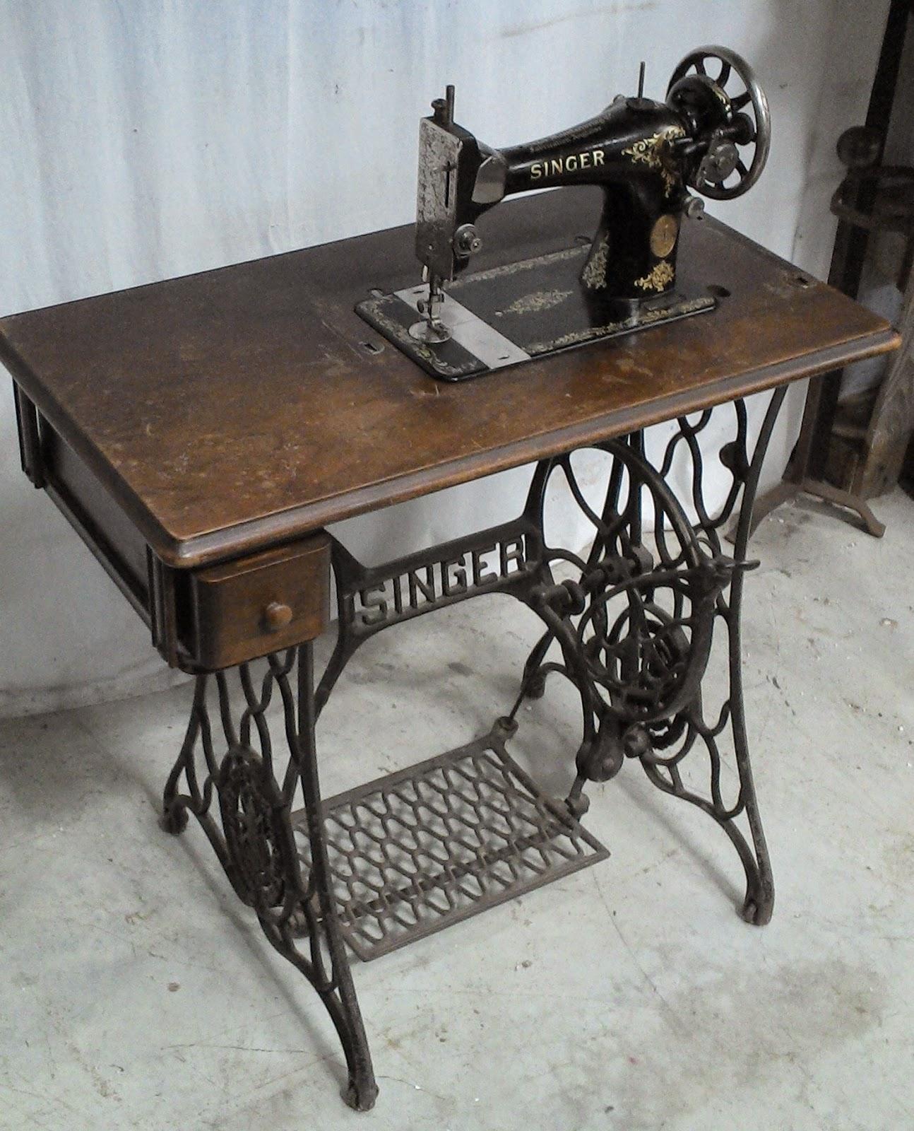 Ancienne machine a coudre singer - Table machine a coudre ancienne ...