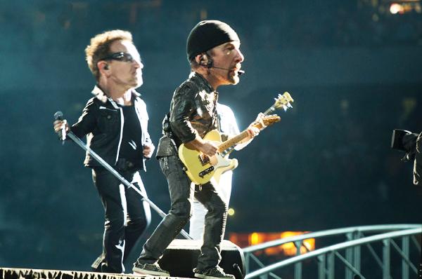 U2: Bono and Edge| Ximinia