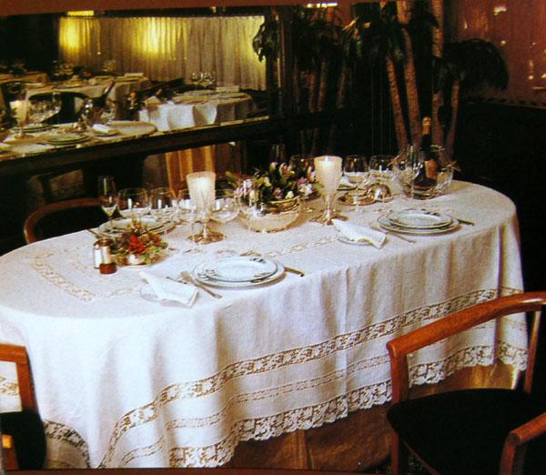 La cuoca golosa storia della tovaglia - Tovaglia per tavolo ovale ...