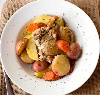 geröstet Huhn und Karotten