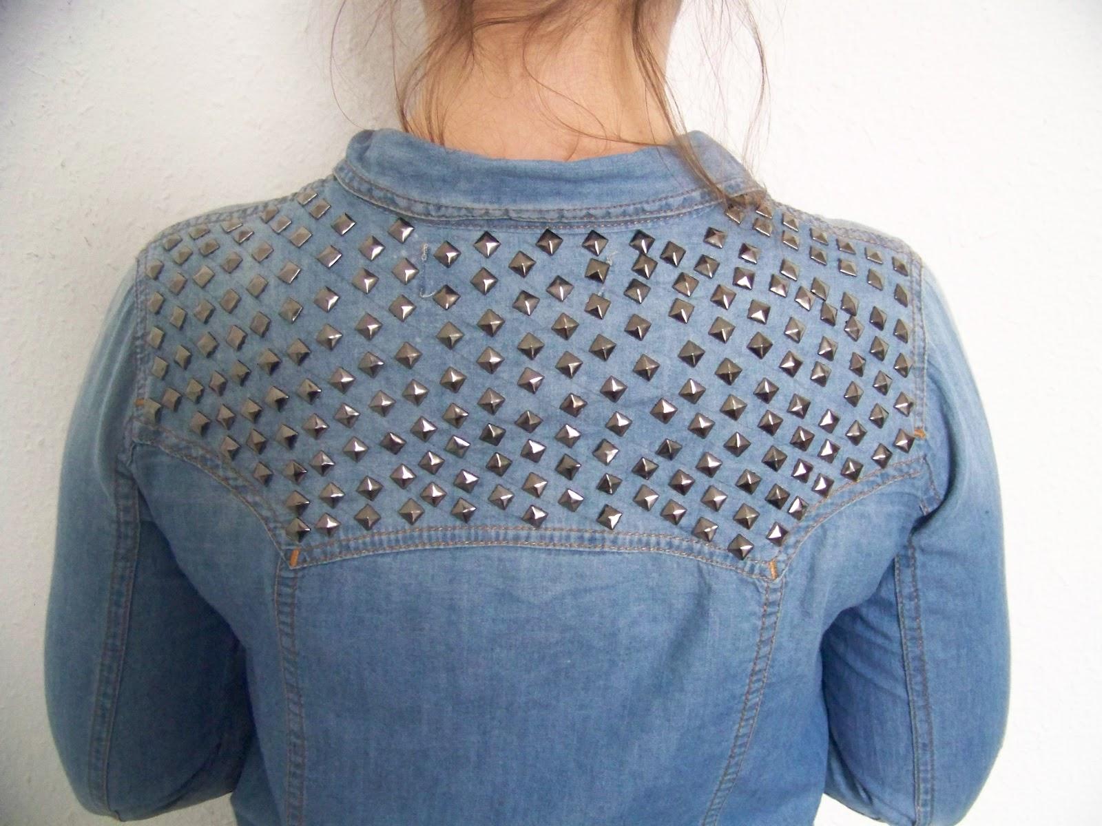 customiser une chemise en jean les petites choses du monde de chacha blog mode lifestyle. Black Bedroom Furniture Sets. Home Design Ideas
