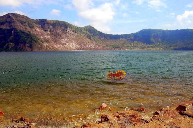 main crater lake shore