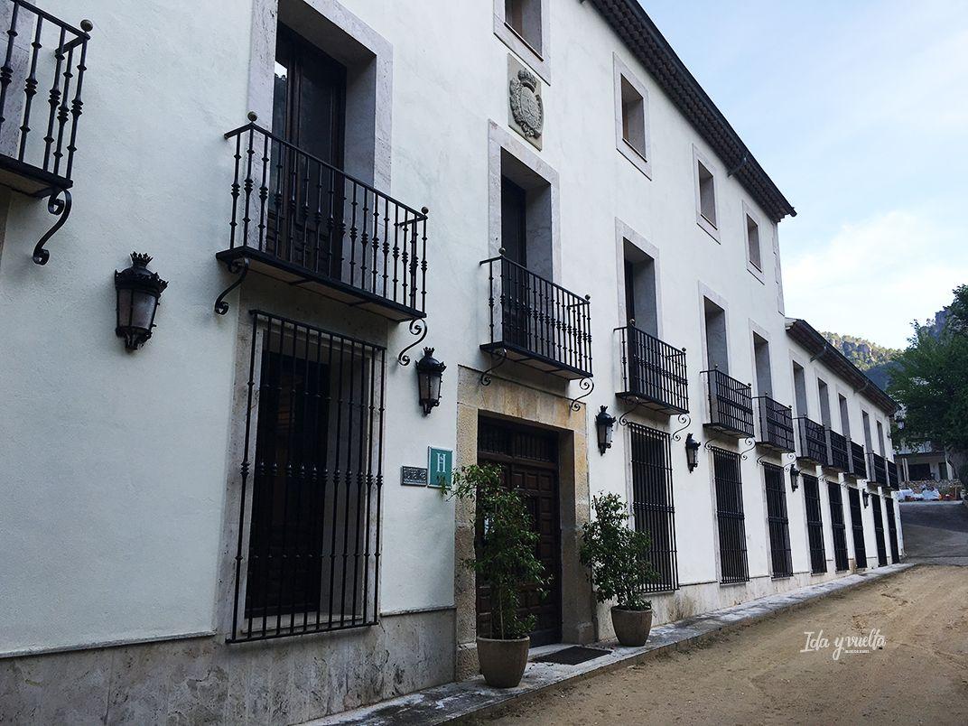 Solán de Cabras, fachada
