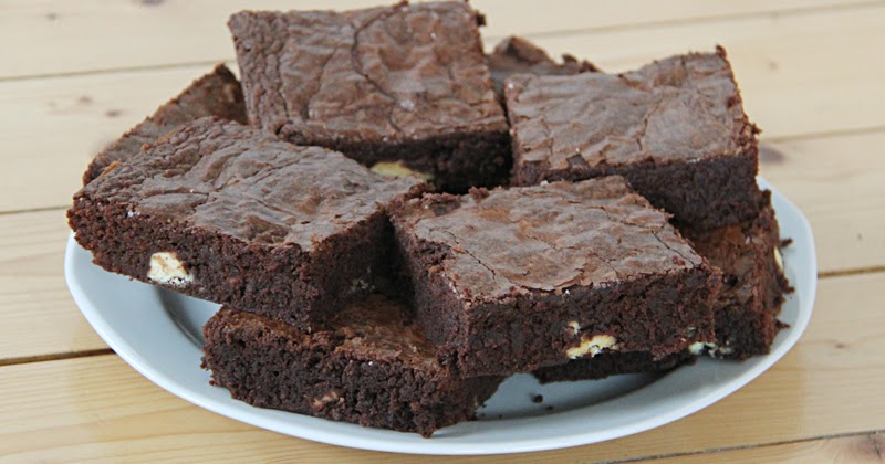 kirschkuchen rezept brownies mit kinderriegel. Black Bedroom Furniture Sets. Home Design Ideas