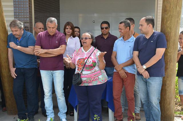Prefeito Joaquim Neto entrega chaves de quiosques da Praça Rui Barbosa