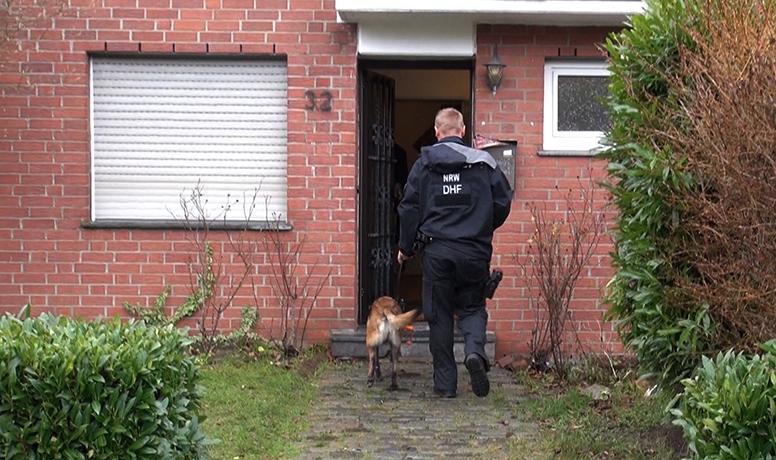 Möglicher geplanter Anschlag: Männer aus NRW nach Spähangriff auf Flughafen Stuttgart gesucht