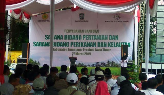 Penyerahan Bantuan Sarana Bidang Pertanian dan Sarana Bidang Perikanan dan Kelautan.