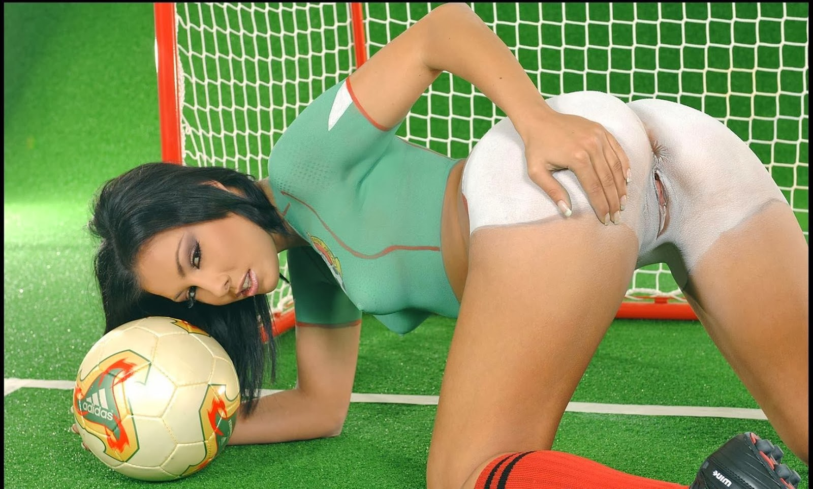 Football hotties nude blowjob