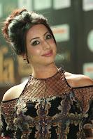 Sanjjanaa Galrani aka Archana Galrani in Maroon Gown beautiful Pics at IIFA Utsavam Awards 2017 49.JPG
