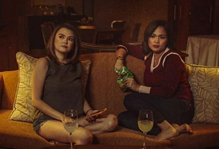 Angelica Panganiban as Lianne and Judy Ann Santos as Cindy in 'Ang Dalawang Mrs. Reyes'