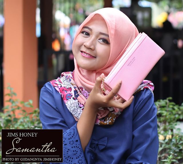 Sesi Foto Jims Honey Samantha Wallet