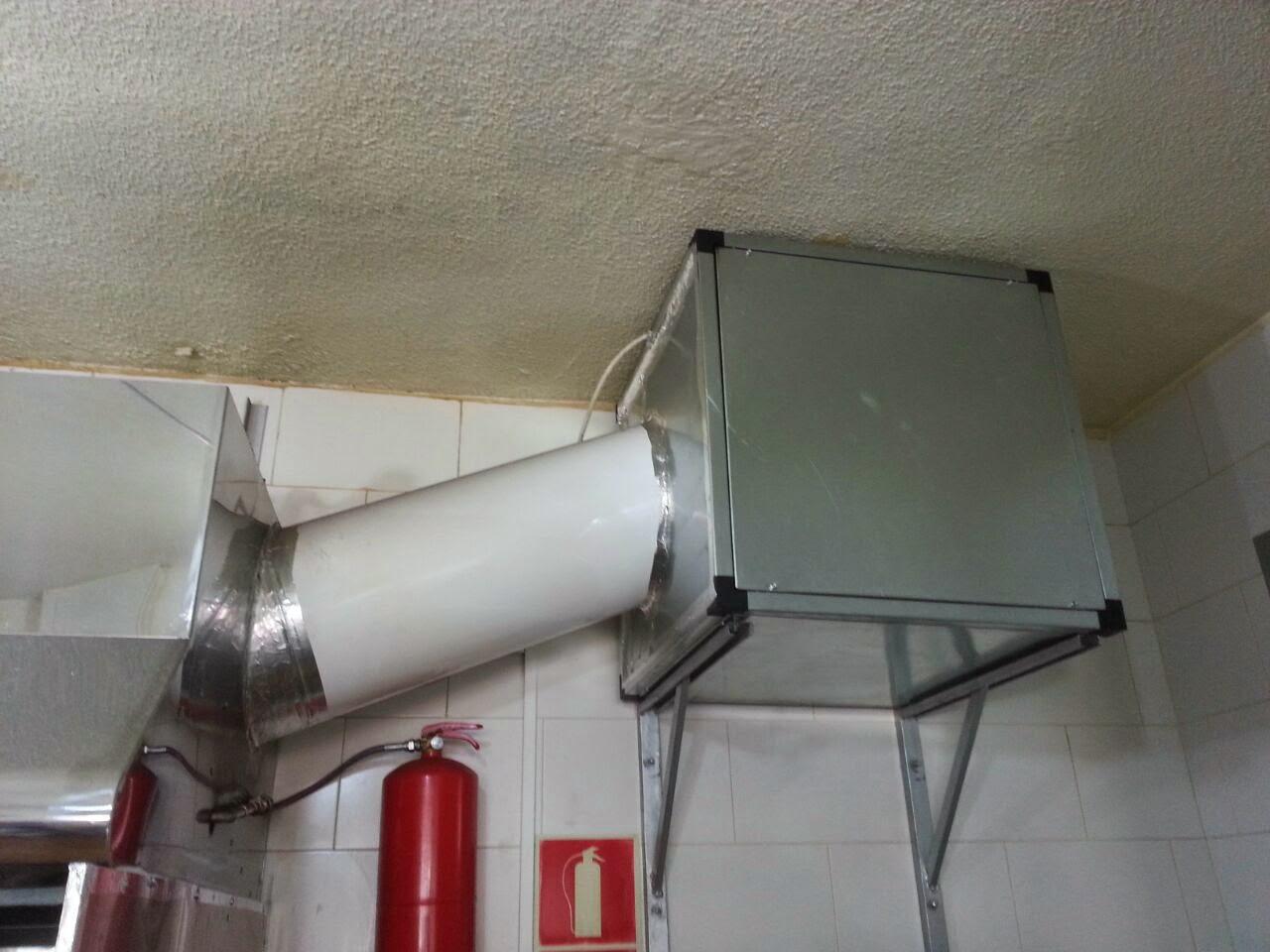 Reformas conductos ventilaci n madrid chimeneas y salida - Instalacion campana extractora ...