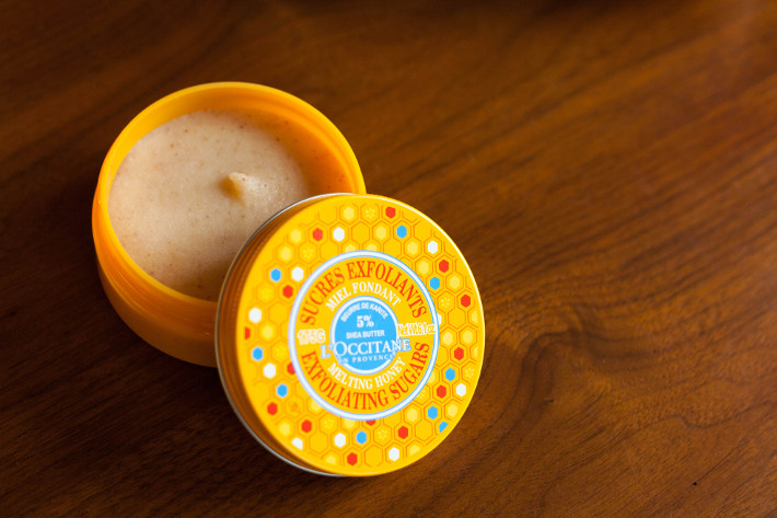 l'Occitane melting honey exfoliating sugars review