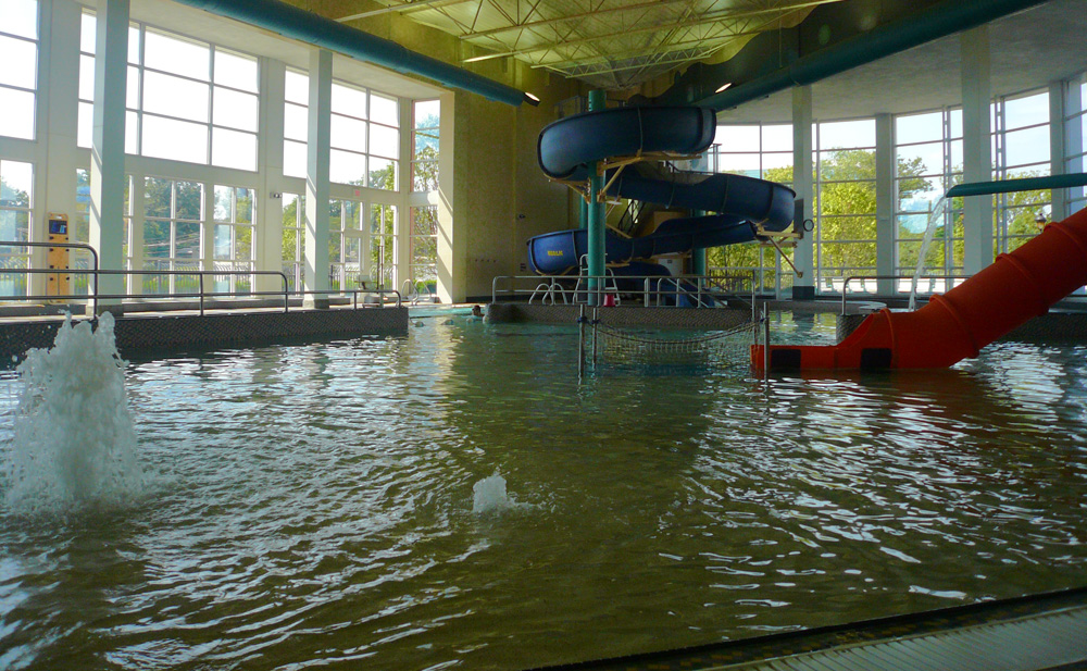 Play St Louis The Heights Aquatic Center indoor pool