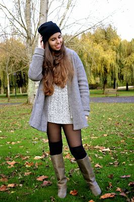 victoria suarez, hey vicky hey, sweater, girl, boots, autumn, fall, winter, blogger