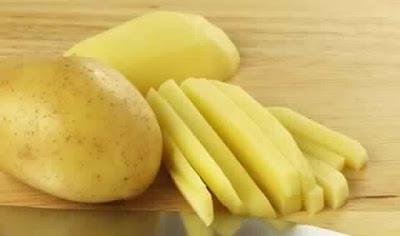 Comment éviter que les pommes de terre épluchées noircissent ?