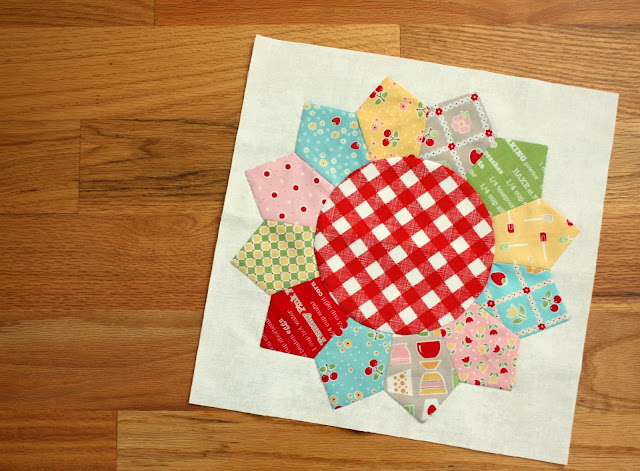 Double Wedding Ring Quilts For Sale 22 Popular New Dresden block bow