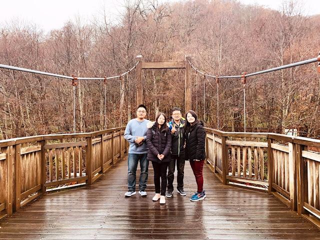 奧入瀨溪吊橋合照
