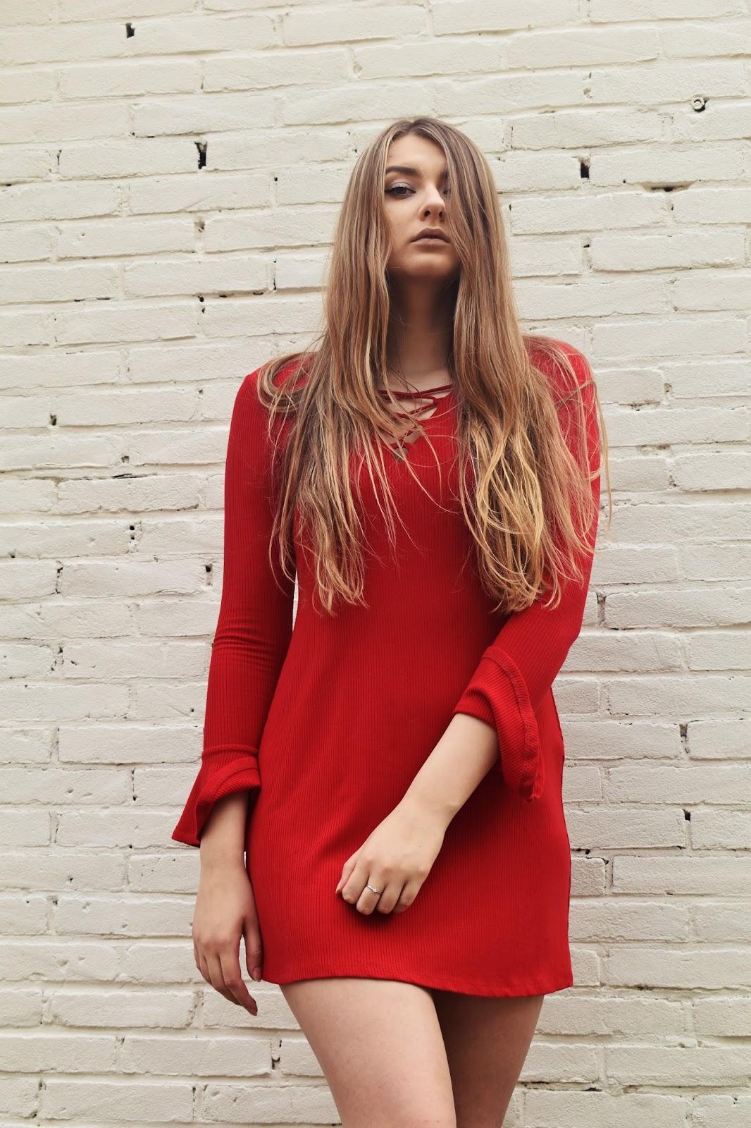 CZERWONA SUKIENKA / RED DRESS