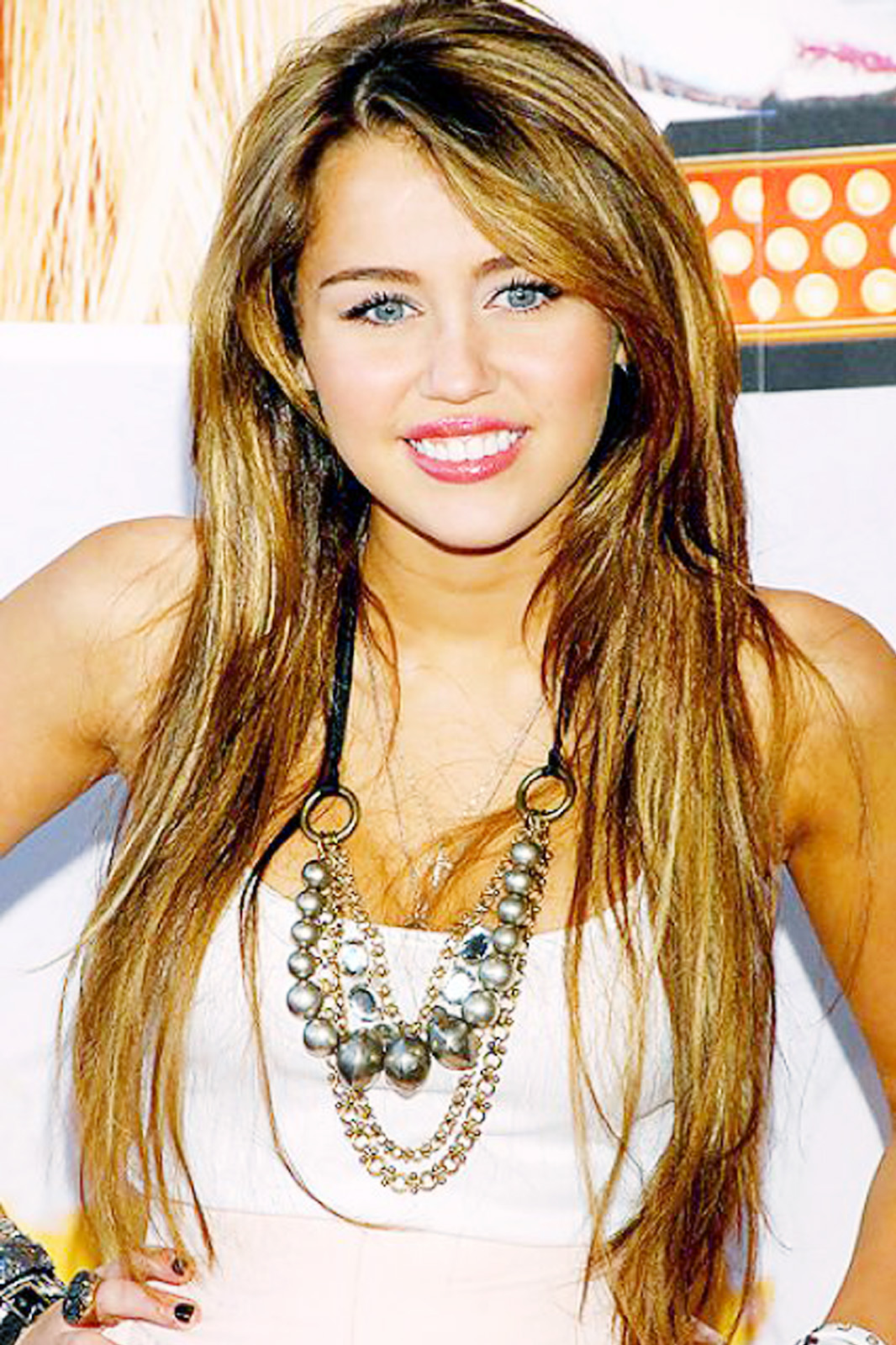 Miley Cyrus Hot Pictures  Miley Cyrus Wallpapers-7029