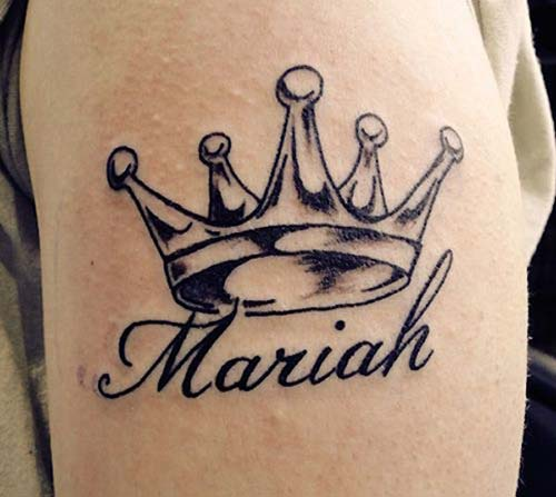 name tattoo with crown taçlı isim dövmesi