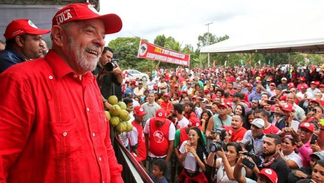 O que é estamento burocrático? Grupos poderosos de interesse no Brasil.