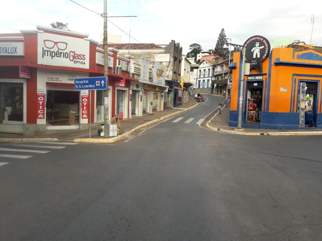 Cidade fantasma! Ninguém nas ruas de Nova Lima