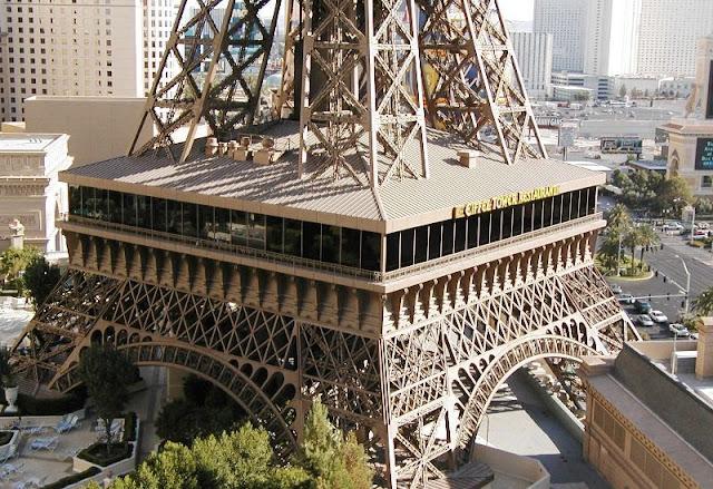 Restaurante na Torre Eiffel em Las Vegas