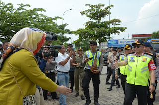 Bupati Karawang Pantau Jalur Balik Bersama Menteri & Kapolri