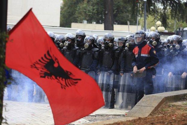 Βορειοηπειρώτες: Το ελληνικό βέτο δεν αρκεί να σωθούν οι ελληνικές περιουσίες