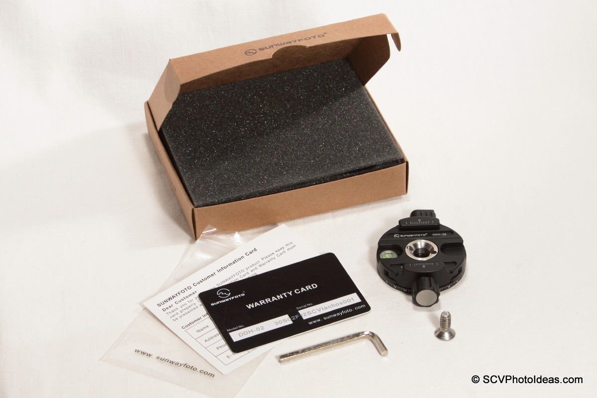 Sunwayfoto DDH-02 Panning Clamp box contents