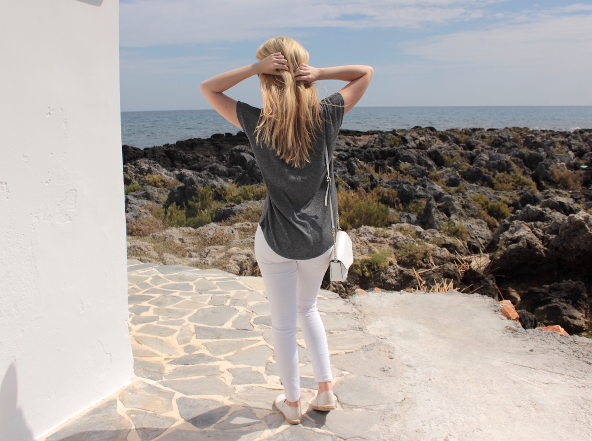 Outfit Fashion Kreta Grey White Ripped Shirt White Jeans