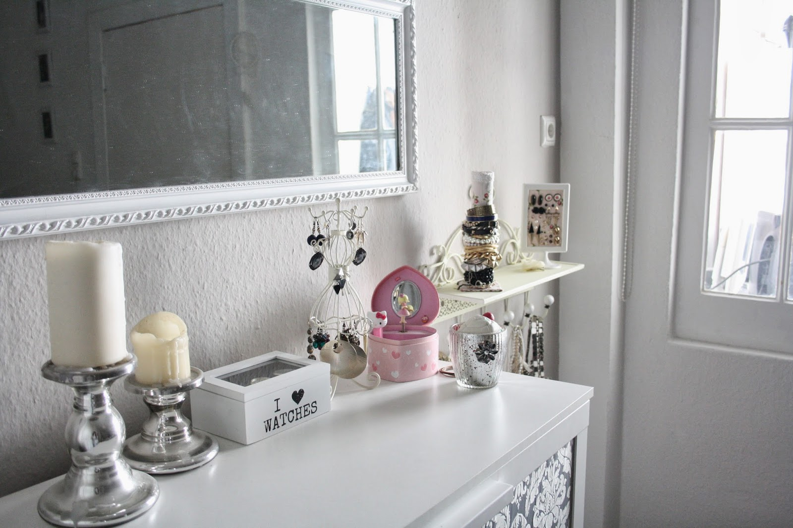 rain bows and fairytales schmuckaufbewahrung. Black Bedroom Furniture Sets. Home Design Ideas