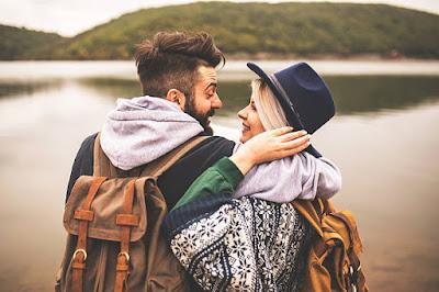 disfrutar_de_la_naturaleza_en_pareja
