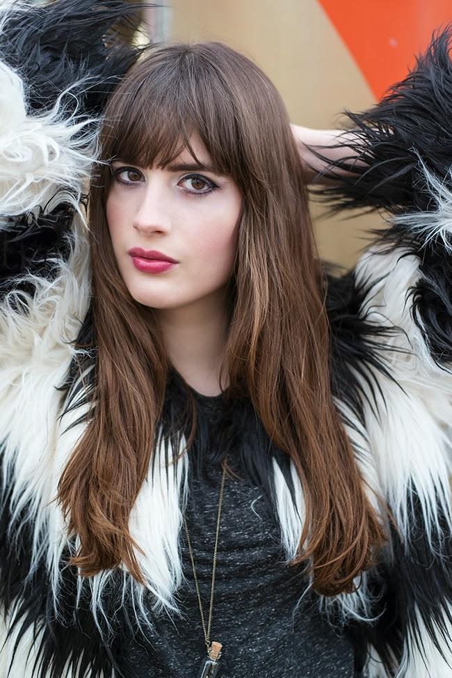 Modeblog-Deutschland-Deutsche-Mode-Mode-Influencer-Andrea-Funk-andysparkles-Berlin-Felljacke-Overknee-Boots