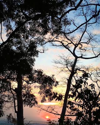 Foto Indah Bukit Condrodipo