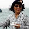 Mengintip Kelakuan Greget Ibu Susi  Pujiastuti Sang Menteri Kebanggaan Negeri